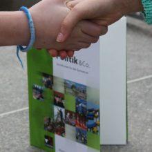Sozialkunde Hände Buch
