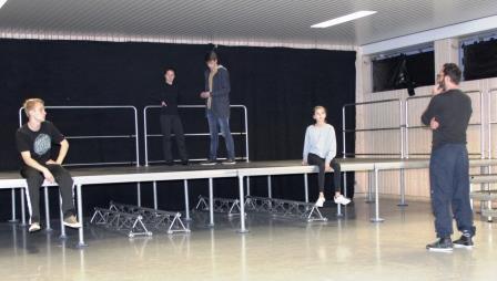 Workshop der Theater AG 8-12 mit Holger Endres