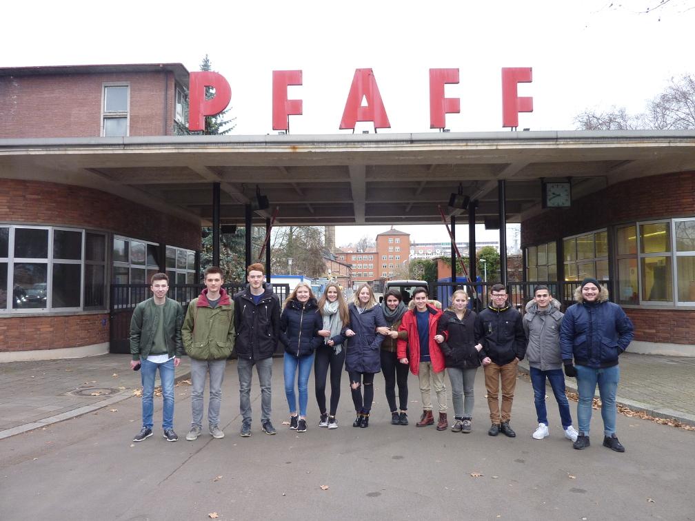 Leistungskurs Sozialkunde der MSS 11 erkundet Pfaff-Areal